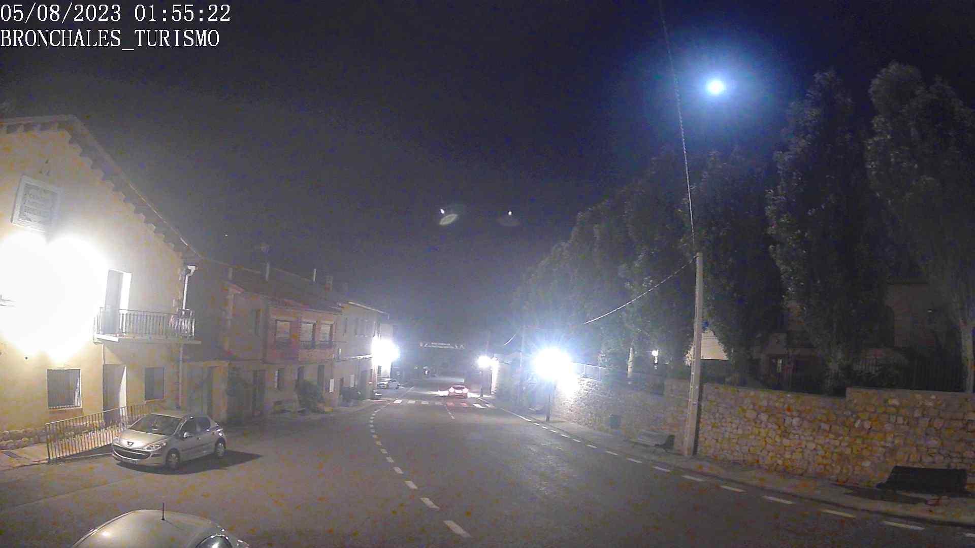 La imagen tiene un atributo ALT vacío; su nombre de archivo es webcam.jpg